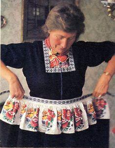 FolkCostume&Embroidery: Costume of Volendam, North Holland, The Netherlands #NoordHolland #Volendam