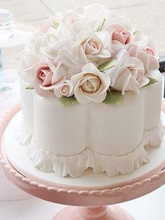 #PANDORAloves beautiful wedding cakes