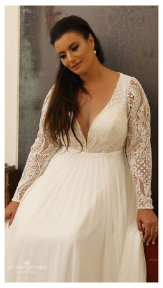 Hippie Style Weddings, Bohemian Style Wedding Dresses, Gold Bridesmaid Dresses, Plus Size Wedding Gowns, Lace Wedding Dress, Best Wedding Dresses, Designer Wedding Dresses, Plus Size Dresses, Bridal Dresses