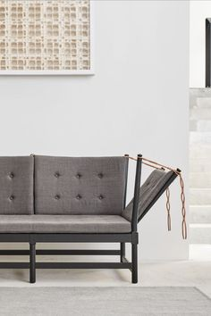 The Spoke-Back Sofa exemplifies Mogensen's idea of a multi-purpose sofa.The exposed wooden construction is typical for both Mogensen and Wegner, and in the Spoke-back Collection they continued their work with the Windsor chair methodology. #fredericiafurniture #spokebacksofa #børgemogensen #borgemogensen #interiordesign #sofadesign #modernoriginals #craftedtolast Sofa Design, Interior Design, Executive Office, Co Working, Lounge Areas, Daybed, Recliner, Sofas, Relax