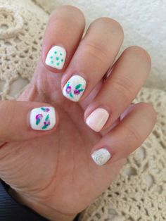 Shabby Chic Nail design with floral pattern.