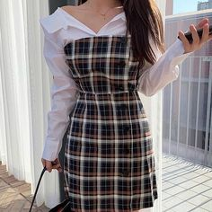 Image uploaded by '𝓝. Find images and videos about girl, fashion and style on We Heart It - the app to get lost in what you love. Kpop Outfits, Korean Outfits, Retro Outfits, Mode Outfits, Cute Casual Outfits, Dress Outfits, Girl Outfits, Fashion Outfits, Summer Outfits