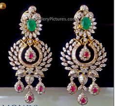 Prettiest diamond earrings I have ever seen Diamond Earrings Indian, Diamond Jhumkas, Gold Jhumka Earrings, Diamond Earing, Jewelry Design Earrings, Gold Earrings Designs, Diamond Jewellery, Jewellery Designs, Jewellery Box