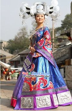 China Miao Minority Clothing and Silver Hat Complete Set