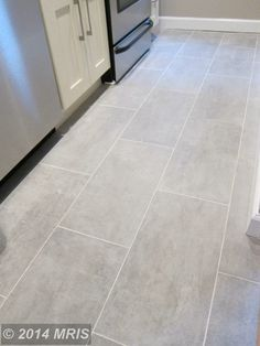 bathroom flooring Kitchen Grey Floor House 70 Ideas For 2019 - Grey Kitchen Tiles, Grey Floor Tiles, Grey Kitchens, Bathroom Floor Tiles, Grey Flooring, Gray Tile Floors, Kitchen With Grey Floor, Plank Tile Flooring, Ceramic Floor Tiles