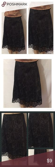 "Deena!!Half Slip Floral & Scallop Lace Trim In excellent condition Vintage Deena Half Slip Black w/Floral & Scallop Lace Trim Size: Small 82% Tactel 18% Lycra Actual Measurements laying flat: Waist (lying flat not stretched): 14"" Length ( from waist to hem): 25"" Deena & Oozzy Intimates & Sleepwear Chemises & Slips"