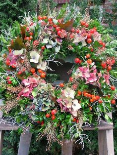 Our fall wreaths are back and waiting for them … – Deco-Idee – Wreaths Christmas Door Wreaths, Autumn Wreaths, Christmas Decorations, Fall Flowers, Dried Flowers, Corona Floral, Grave Decorations, Country Wreaths, Summer Wreath