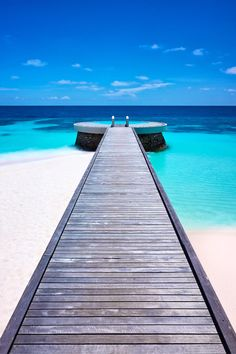 "italian-luxury: ""Pool in the Ocean, Huvafen Island """