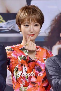 Short Wedge Hairstyles, Pixie Hairstyles, Pixie Haircut, Short Hair Styles, Hairdos, Super Junior シウォン, Go Jun Hee, Androgynous Haircut, Short Cuts