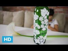 Old Wine Bottles, Recycled Glass Bottles, Wine Bottle Crafts, Jar Crafts, Diy Glasses, Bottle Vase, Bottle Painting, Floral Tie, Decoupage