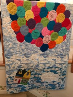 """""""Up"""" Wedding Guest Quilt. Guests write their wishes for the happy couple on fabric balloons which are then appliquéd to the quilt. Up house is also appliquéd. House Quilts, Baby Quilts, Wedding Guest Quilt, Disney Up House, Disney Quilt, Quilting Board, Up Balloons, Landscape Pictures, Disney Christmas"""