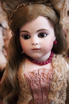 """French Bisque Bebe """"Bru Jeune"""", size 9, with Gorgeous brown eyes"""