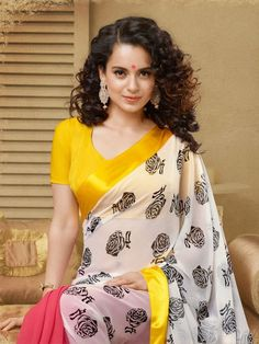 Bollywood popular actress Kangana Ranaut best picture and wallpaper gallery. Best hd image of actress Kangana Ranaut. Indian Attire, Indian Wear, Indian Outfits, Ethnic Outfits, Indian Clothes, Top 10 Bollywood Actress, Bollywood Fashion, Saree Fashion, Bollywood Saree