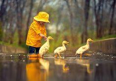 Rainy Day Friends (500 Piece Puzzle by Castorland)