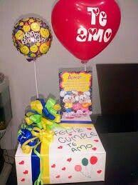 Desayunos sorpresa Birthday Door, Happy Birthday, Surprise For Him, Cute Gifts, Ideas Para, Aniversary Gift, Catering, Diy And Crafts, Presents