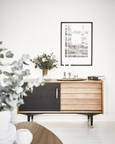 Tag 2 friends who will love this. Midcentury Modern Interior Lab. Repost by Danielle Pires(Pinterest)  mk_interior_idea with @mkidea @mk_fashion_idea - One for two fashion - 좋아요 팔로우 감사합니다. 친구들을 태그해주세요! - by mk_interior_idea
