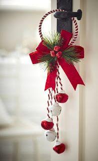 21 Ideas de cómo hacer adornos navideños con cascabeles ~ lodijoella