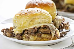 These Mushroom and Swiss Sliders are a unique spin on a traditional Mushroom and Swiss Burger, made with a sweet buttered dinner roll, perfectly seasoned ground beef and a savory Swiss cheese sauce that will leave you wanting more! (i am baker) Meat Recipes, Cooking Recipes, Burger Recipes, Recipies, Cake Recipes, Meat Meals, Delicious Recipes, Dinner Recipes, Hamburger Seasoning