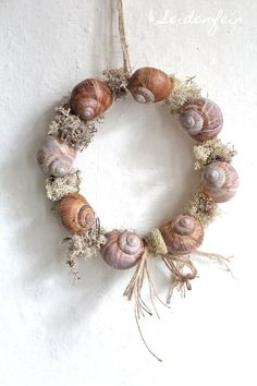 * DIY * Snails from the spring forest Diy Spring Wreath, Diy Wreath, Shell Wreath, Spring Forest, Selling Handmade Items, Snail Shell, Diy Crafts To Do, The Beautiful Country, Seashell Crafts