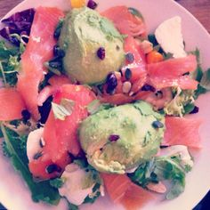 Recipes x Home Sweet Brocante Salad, avocado, salmon, schrimp, Goji Berry,