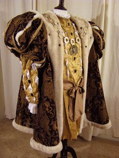 King Henry the Men's Renaissance Costume, Mode Renaissance, Medieval Costume, Renaissance Clothing, Renaissance Fashion, Medieval Gown, Tudor Costumes, Period Costumes, Pirate Costumes