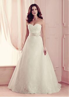 BRILLIANT ORGANZA SATIN BALL GOWN SWEETHEART NECKLINE NATURAL WAISTLINE WEDDING DRESS WITH EXQUISITE HANDMADE FLOWERS