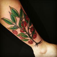 #legtattoo #pitangueira #Tattoo #girlytattoo #nature #badbraintattooSP #BadBrainInk