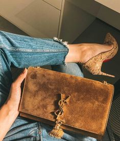 TOP FASHION PAGE WITH TREND BAGS & CLOTHES Chanel Backpack, Ysl Bag, Prada Bag, Fake Designer Bags, Chanel Sandals, Dior Handbags, Dior Bags, Latest Bags, Replica Handbags