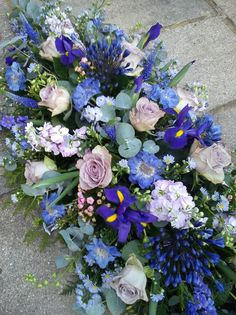 Purple and lilac coffin spray Casket Flowers, Grave Flowers, Cemetery Flowers, Funeral Flowers, Blue Flower Arrangements, Funeral Floral Arrangements, Alter Flowers, Church Flowers, Funeral Caskets