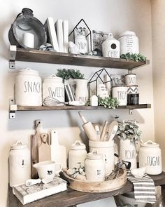 - Best ideas for decoration and makeup - Coffee Bar Home, Home Coffee Stations, Farmhouse Style Decorating, Farmhouse Decor, My Home Design, House Design, Dining Room Shelves, Kitchen Must Haves, Tray Decor