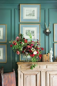 With Betty Burgess' house as a picture-perfect backdrop, floral designer Amy Osaba arranges classic flowers & foraged materials in antique silver containers