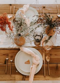 Welcoming you back from the long weekend with this stunning vintage brunch (Hosted By: Designed By: Photographer: Flowers: Tabletop: Rentals: Our Wedding, Dream Wedding, Fall Wedding, Wedding Stuff, Wedding Decorations, Table Decorations, Wedding Table Settings, Long Weekend, Tablescapes
