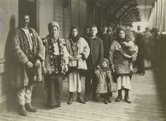 The first Ukrainian settlers in Canada were Ivan Pylypiv and Vasily Yelenyak - from Austria-Hungary. They arrived in Canada on September 1891 on the steamer Oregon to the port of Montreal. Old Photos, Vintage Photos, Iconic Photos, Canadian History, Jewish History, Ellis Island, Of Montreal, My Heritage, Citizenship