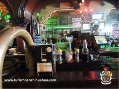 El Kentucky Bar un legendario lugar en Ciudad Juárez, que existe desde 1920, situado cerca del Puente Internacional. En su momento, fue visitado por muchas personalidades ya que hace décadas, existía una ley seca en Estados Unidos que provocaba que muchos cruzaran la frontera para beber. Marilyn Monroe, Elizabeth Taylor, Jim Morrison, entre muchos otros pasaron por ahí. #visitaciudadjuárez
