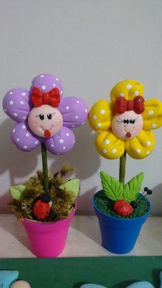Vasos decorados com biscuit