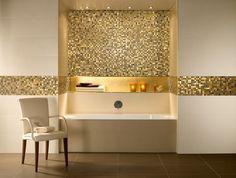 déco-salle-bains-carrelage-blanc-neige-mosaique-doées-chaise