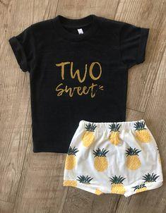 c80b0f1a59811 Girls Two Sweet Shirt • 2nd Birthday Shirt • Girls Two-Year-Old Shirt • Second  Birthday Outfit • Toddler Birthday Shirt •Two Years Old Shirt