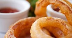 101 Deep Fried Recipes is excellent for ideas to add new dishes for a party, or for any occasion. 101 recipes of mouth watering dishes that are easy to prepare and delicious to taste. Donuts, Baked Onion Rings, Cooking Time, Cooking Recipes, Deep Fried Recipes, Great Recipes, Favorite Recipes, Les Croquettes, Onion Recipes