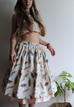 Купить или заказать Хлопковая юбка с рисунком 'перья' в интернет-магазине на Ярмарке Мастеров. Хлопковая юбка на резинке из ткани с рисунком 'перья'. Подъюбник из хлопкового штапеля, пришит к поясу юбки.