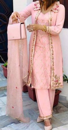 Pakistani Dresses Casual, Indian Fashion Dresses, Dress Indian Style, Pakistani Dress Design, Indian Outfits, Party Wear Indian Dresses, Modest Fashion, Boho Fashion, Winter Fashion