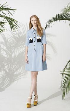 Die irische Designerin Orla Kiely ist für ihre innovativen Drucke und Muster im Retro-Look bekannt. In enger Kooperation mit Clarks stellte die Künstlerin eine Schuhkollektion für Damen zusammen. #OrlaKiely
