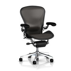 Herman Miller Aeron Tilt Limiter Task Chair, Adjustable Vinyl Arms, Graphite Frame / Carbon Classic Pellicle One of the most popular and best office chair for lower back pain is this Herman Miller's Aeron office chair. Cool Office Desk, Best Office Chair, Home Office Desks, Home Office Furniture, Office Chairs, Desk Chairs, Office Seating, Dining Chairs, Smart Office