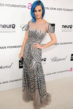 I always think Katy Perry is amazing no matter how strange she gets, but this dress is just fantastic. I love sparkles!