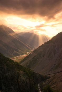 Himalayan Glory by Brian Donegan on 500px | Srinagar, Kashmir, India  √