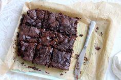 Vegan Slutty Brownies {with a Belgian twist} - The Vegan Cookie Fairy