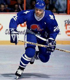 Peter Stastny Quebec Nordiques, New Jersey Devils, St. Stars Hockey, Hockey Mom, Ice Hockey, Field Hockey, Nhl Games, Hockey Games, Flyers Hockey, Bruins Hockey, Quebec Nordiques