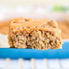 Healthy Peanut Butter Banana Baked Oatmeal is the perfect make-ahead breakfast recipe! It's gluten-free, dairy-free, & vegan-friendly with no refined sugar! Healthy Breakfast For Kids, Make Ahead Breakfast, Banana Breakfast, School Breakfast, Breakfast Ideas, Breakfast Bars, Healthy Breakfasts, Perfect Breakfast, Healthy Peanut Butter