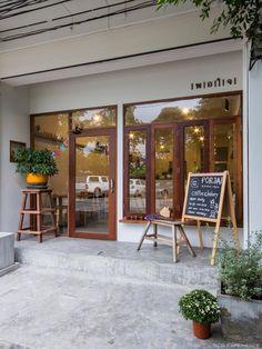 Small Coffee Shop, Coffee Store, Coffee Cafe, Cafe Shop Design, Cafe Interior Design, House Design, Cafe Restaurant, Restaurant Design, Cafe Exterior