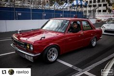 Our friend cruising in his SR powered 510 before the Long Beach GP Long Beach California Throw back Thursday.Im honestly surprised I had my hood on in this photo Nissan Nismo, Long Beach California, Datsun 510, Perfect Timing, Toys For Boys, Big Boys, Jdm, Old School, Cars