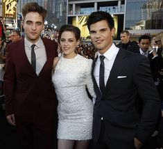 Believe it or not, this year, Twilight is turning a decade! The very first movie premiered in November of 2008, and we have learned whether or not the stars Kristen Stewart and Robert Pattinson would love for a reboot to exist or not! At the time, the entire world was paying close attention to...